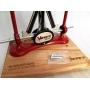 Ostřič nožů Warthog V-Sharp Classic II ELITE Red s dřevěným podstavcem